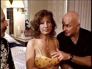 La bella latina dalle forme appetitose si fa scopare dal fratello minore di suo marito sesso anale con donne mature